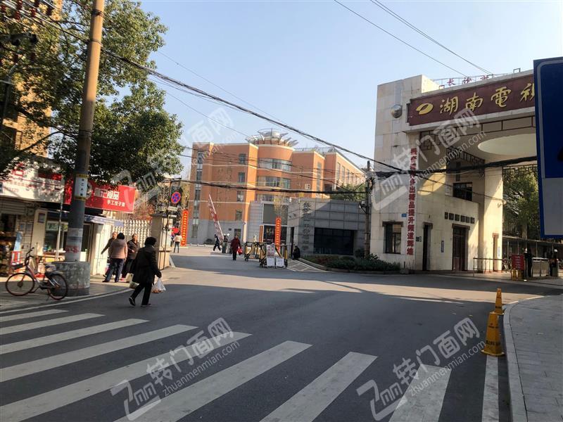 德雅路12㎡小吃店转让学校门口第一个门面