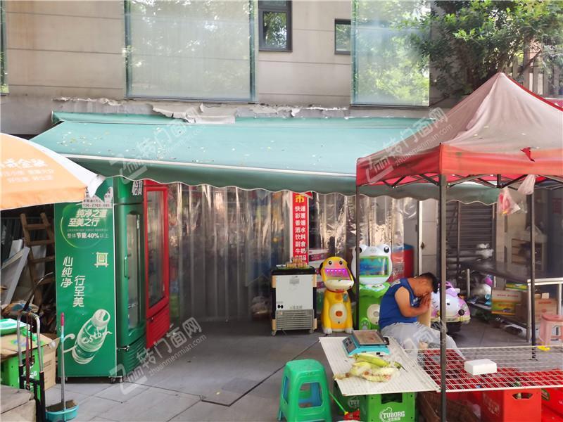 Z江北北滨路大型小区门口88平米超市百货门面转让