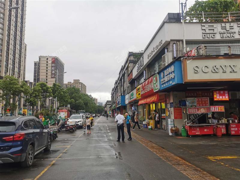 空转成熟小区出入口88平米临街旺铺