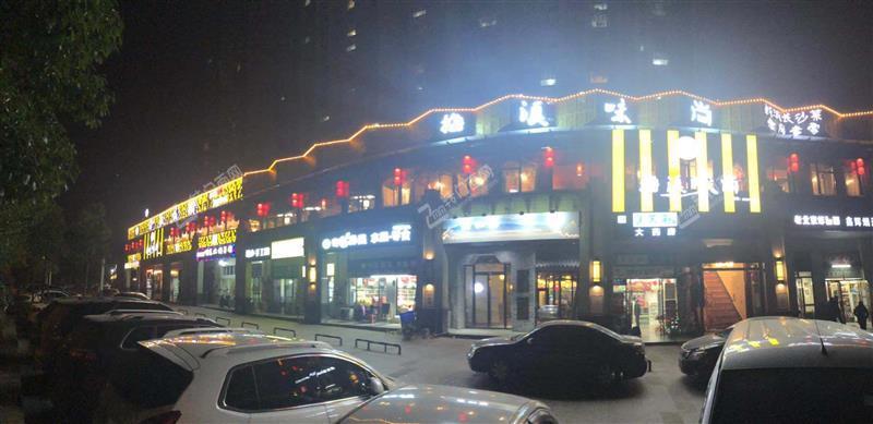 梅溪湖商业街1200平大型餐厅(可分租,合伙,转让)