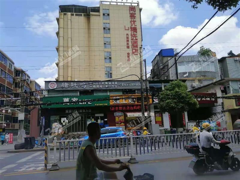 上海北路经营中猪肚鸡火锅店转让